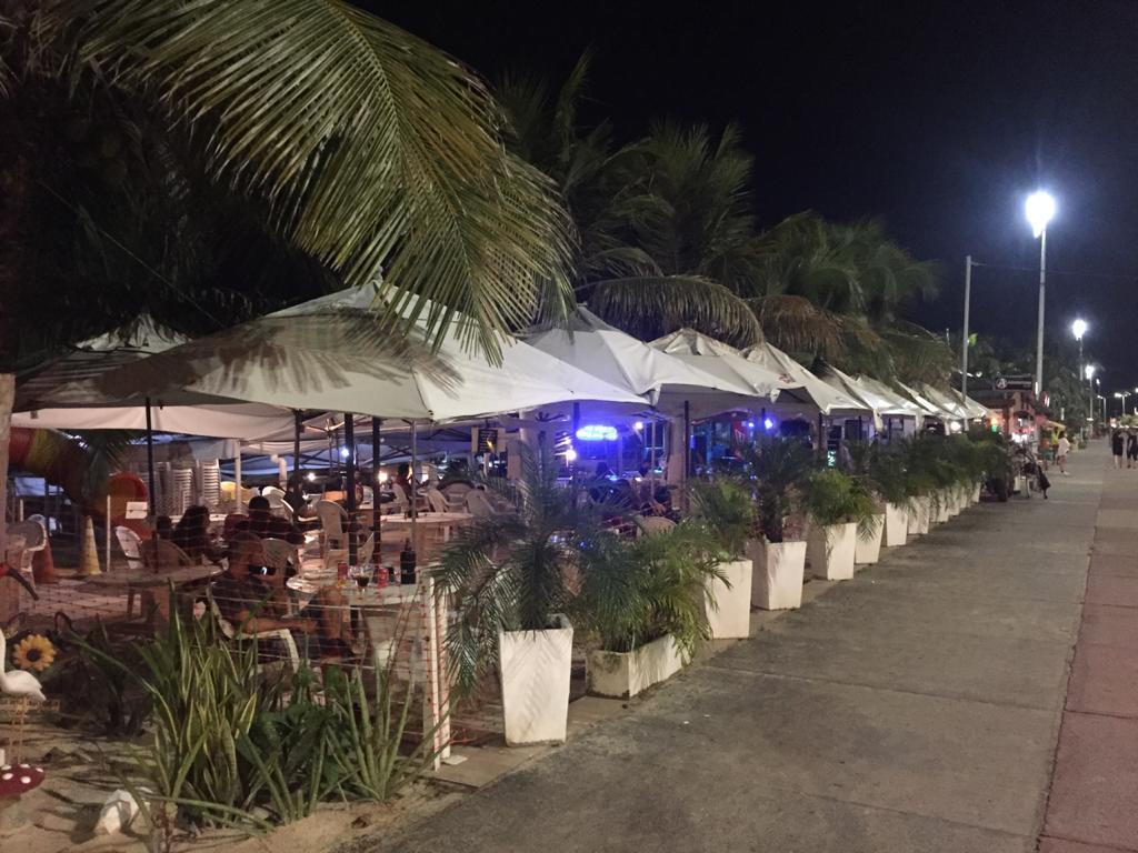 Bar e restaurante na Avenida Litorânea, São Luís - Foto: Lucas Prazeres